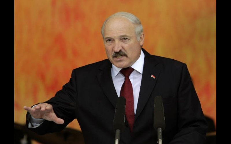 Lukaşenko idmandan danışdı